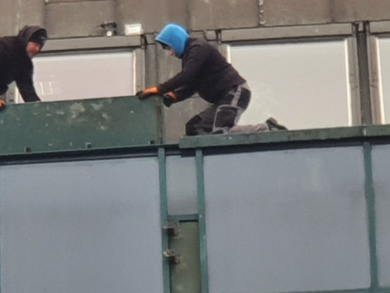 Praca na wysokości bez zabezpieczeń