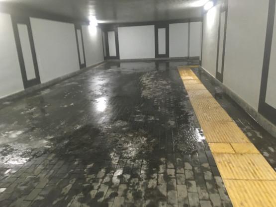 Lodowisko w tunelu SKM Śródmieście