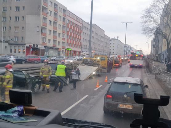 Skutki kolizji na Śląskiej w Gdyni