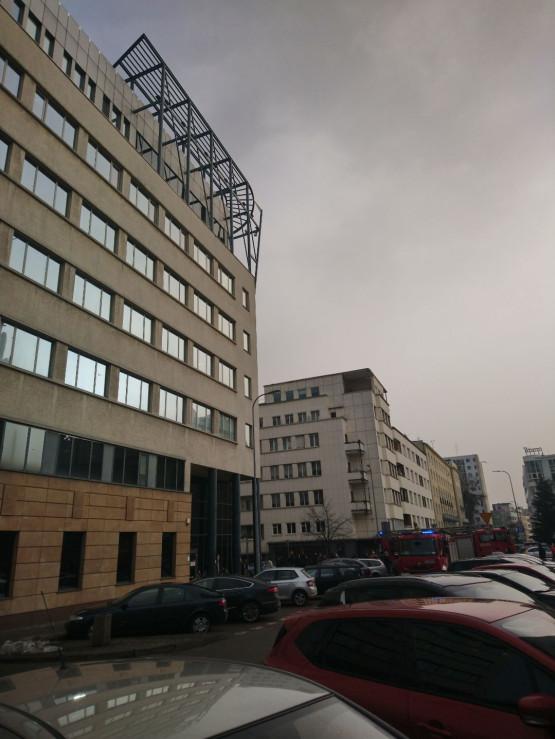 Ewakuacja biurowca w centrum Gdyni