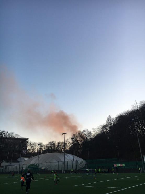 Pożar autobusu widoczny na Traugutta