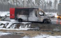 Skutki pożaru auta dostawczego w Kokoszkach