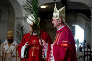 Nowy metropolita uroczyście rozpoczął posługę
