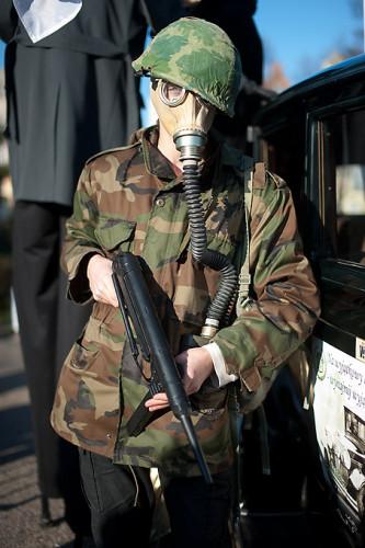 Żołnierz w masce
