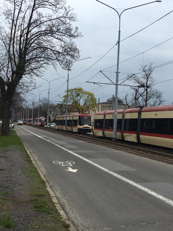 Stoją wszystkie tramwaje na Strzyża PKM