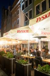 Pierwszy dzień otwartych ogródków gastronomicznych na Głównym Mieście w Gdańsku