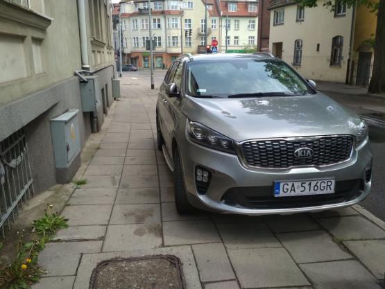 Parkowanie na chodniku
