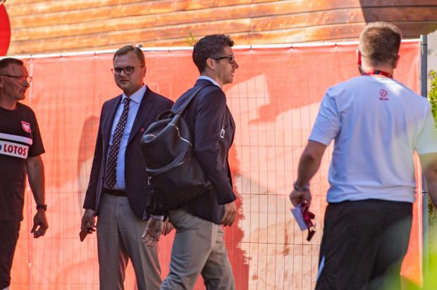 Piłkarze reprezentacji Polski przyjechali do hotelu Marriott w Sopocie. Trójmiasto będzie ich bazą podczas Euro 2020