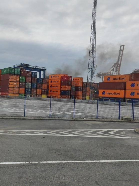 Niegroźny pożar suwnicy w GTC w Gdyni