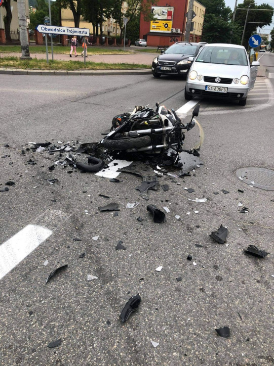 Motocykl z wypadku Chylonska/Kcynska z rana.