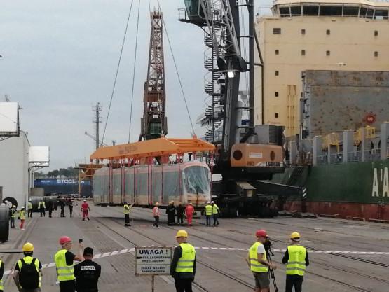 Nietypowy wyładunek w porcie w Gdyni