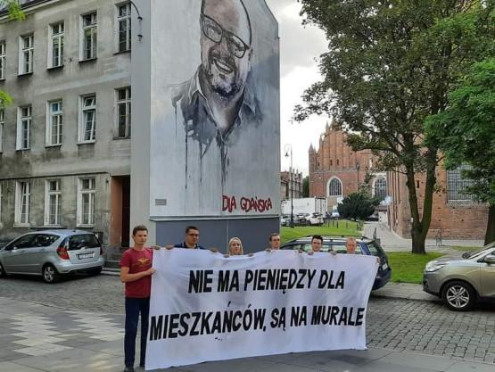 Pikieta Młodzieży Wszechpolskiej