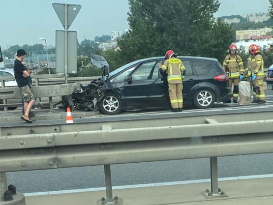 Wypadek na estakadzie w stronę centrum