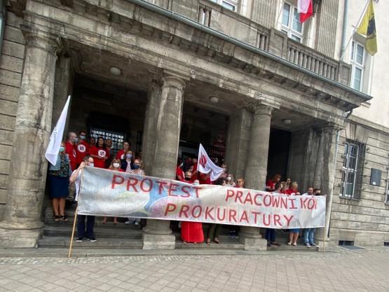 Protest pracowników Prokuratury na Wałach