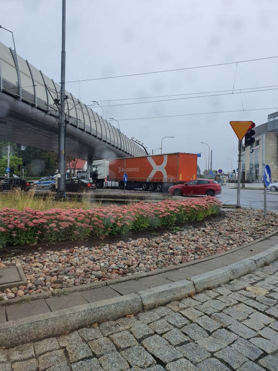 Omijać skrzyżowanie przy Galerii Bałtyckiej