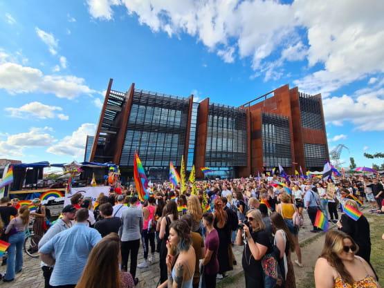 Marsz Równości dotarł pod ECS