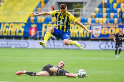 Arka Gdynia - GKS Tychy 0:1. Adam Deja osłabił drużynę w 37. minucie