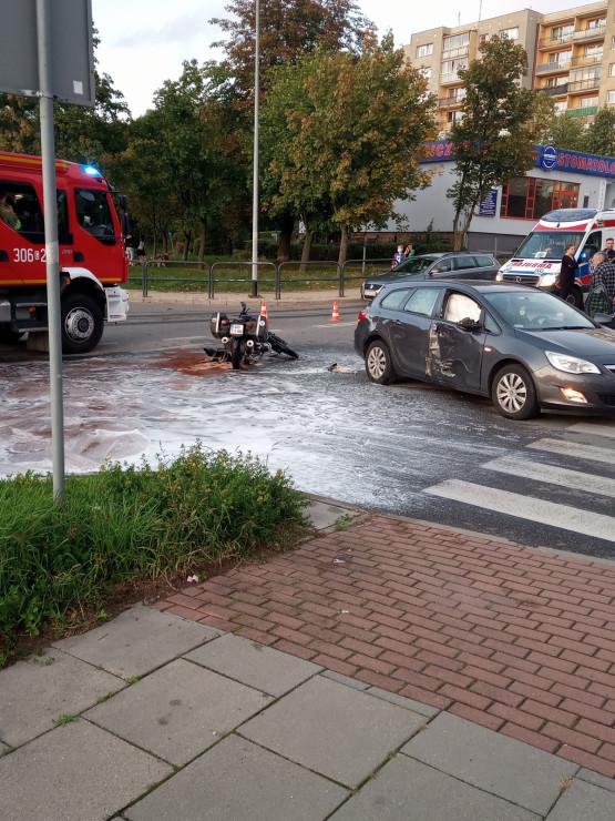 Wypadek z udziałem motocyklisty na Chełmie