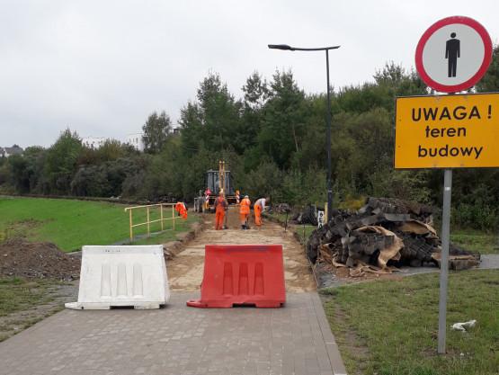 Budowa chodnika przy zbiorniku Świętokrzyska