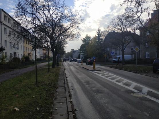 Zamknięta ulica na skrzyżowaniu Chrobrego