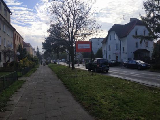 zamknieta ulica na skrzyżowaniu Chrobreg