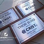 Grawer grawerowanie tablice tablica nierdzewna okolicznościowa firmowa logo crist drawniane podkłady