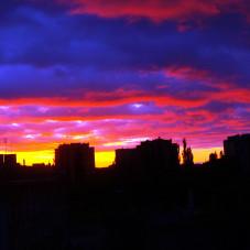 Kolorami miasto budzi się ze snu