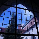 Z okna Klasztoru pocysterskiego na wieże Katedry