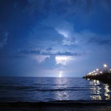 burza nad helem (widok spod sopockiego molo)