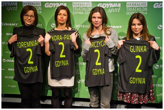 Ambasadorki Herbalife Triathlon Gdynia 2014.Od Lewej stoją: Małgorzata Foremniak, Agnieszka Sikora-Paw, Karolina Gorczyca, Kataryna Glinka.
