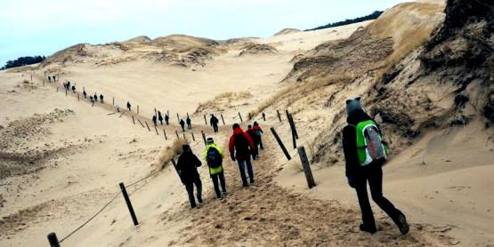 Nie przegap okazji! Wybierz się z nami na wędrówkę przez najpiękniejsze wydmy Wybrzeża Słowińskiego