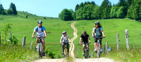 Dołącz do naszego grona, spędzaj aktywnie czas po pracy w środku tygodnia, bądź w weekendy. Jeździmy na rowerach, wędrujemy, pływamy na kajakach.