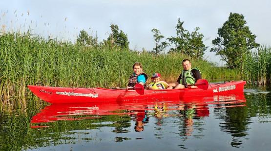 6,5 km odcinek rzeki to idealny temat na dobry początek przygody w kajaku zarówno dla dorosłych jak i rodzin z dziećmi.