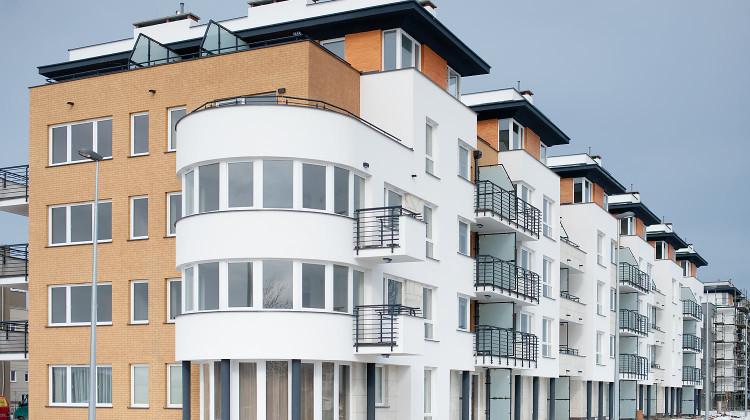 Budynki Osiedla Zielonego charakteryzuje niebanalna rzeźba i obszerne tarasy na najwyższej kondygnacji.