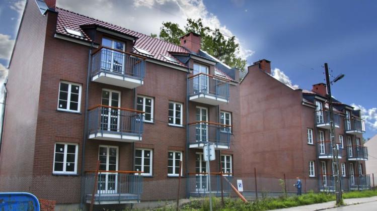 Dwa kameralne budynki stanęły przy Trakcie św. Wojciecha.