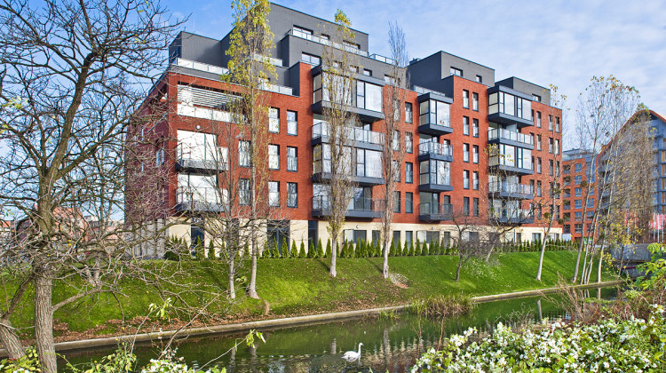 Pierwszy budynek osiedla został oddany do użytku w trzecim kwartale 2013 roku.