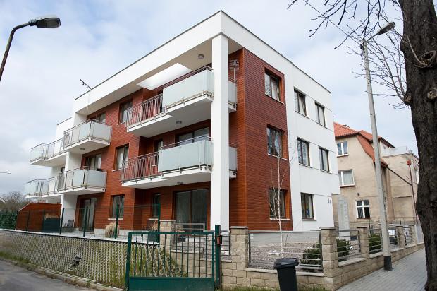 Kameralna inwestycja wpisała się w zabudowę ulicy Kasztanowej.