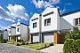 Domy w zabudowie szeregowej oddane do użytkowania w rejonie ulicy Świstaka w 2016 roku.