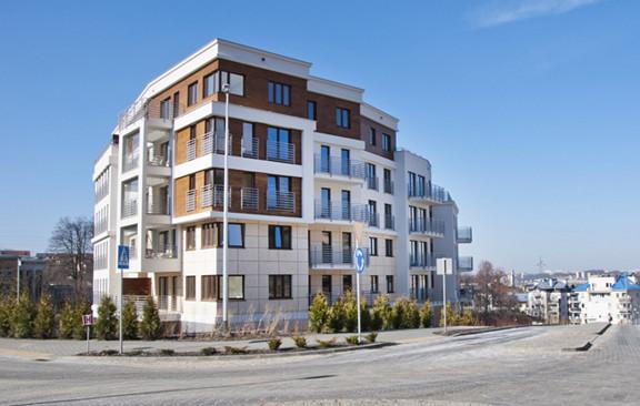 Trzeci budynek osiedla, oddany do użytkowania w 2014 roku. Bryły poszczególnych budynków są ciekawie rozrzeźbione, częściowo dzięki posadowieniu osiedla na skarpach.