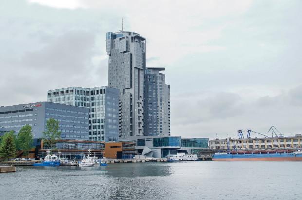 Wieże Sea Towers stały się nieoficjalnym symbolem Gdyni. Obok hotel i biurowiec oddane do użytkowania w 2015 roku.