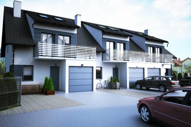 W ramach kompleksu powstanie jeden szereg trzech domów oraz jeden budynek dwóch domów w zabudowie bliźniaczej.