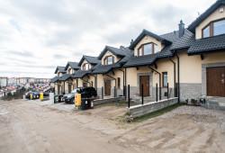 Domy przy Tilgnera