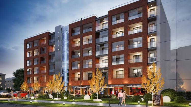 Budynek będzie nieco odsunięty od chodnika przy Długich Ogrodach i wizualnie połączony z sąsiednimi budynkami.