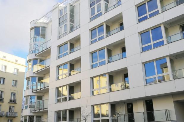 Architektura budynku jest wkomponowana w stylistykę Śródmieścia Gdyni.
