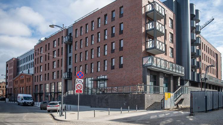 Budynek z wkomponowaną zabytkową elewacją został oddany do użytkowania w 2018 roku.