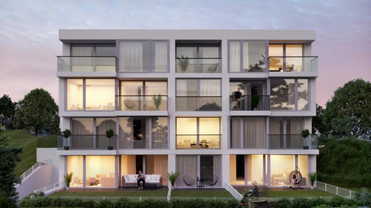 Duże okna w budynku zapewnią ponadprzeciętne naświetlenie wnętrz.
