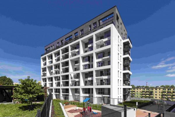 W budynku przy Rozewskiej powstały 74 mieszkania. Z części z nich rozciąga się widok w kierunki portu.
