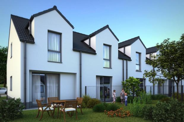 W kolejnych etapach na osiedlu powstają dwupoziomowe lokale, które tworzą namiastkę własnego domu.