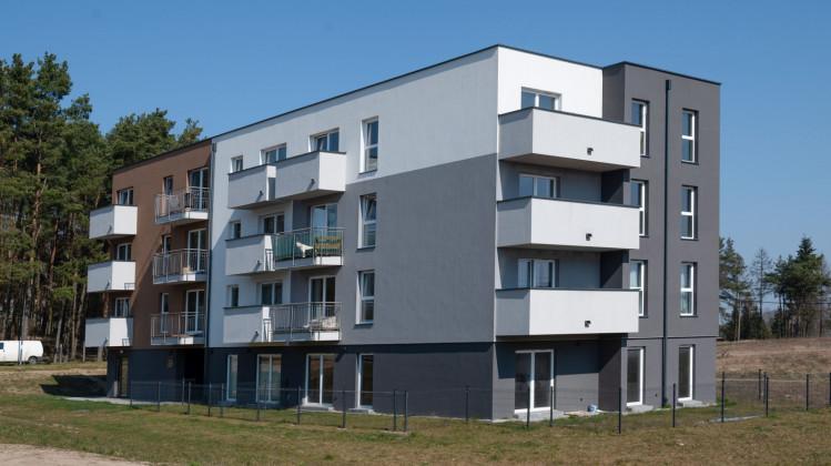 Budynek o stonowanej architekturze w przyszłości będzie częścią rozbudowanej dzielnicy Gdyni.