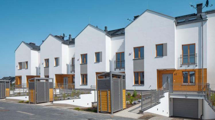 Ostatnie domy powstałe w ramach osiedla Wróbla Staw oddane do użytkowania zostały w kwietniu 2020 roku.